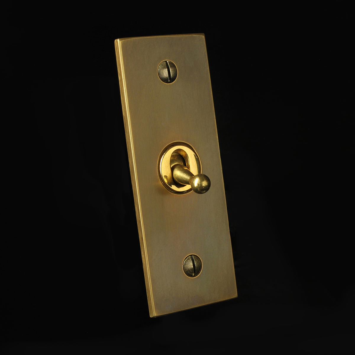 4 antique brass, architrave toggle