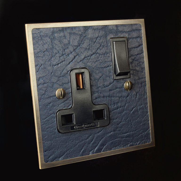 5 antique bronze + blue leather