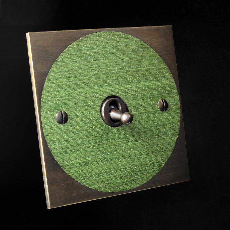 6 antique bronze + green veneer, round